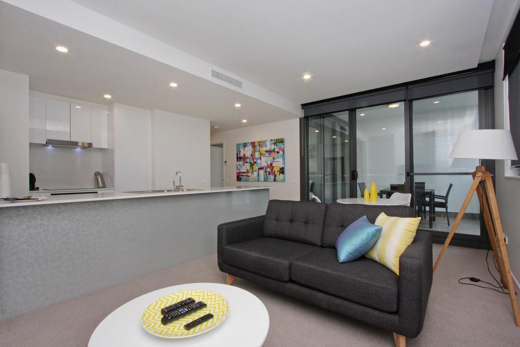 IQ Smart Apartment - 608/51 Mort Street